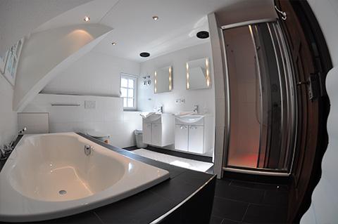 Schön Haus Seefried Am Ammersee   Ferienwohnung Dg, Badezimmer
